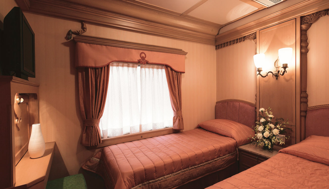 The Golden Chariot - Twin bed cabin